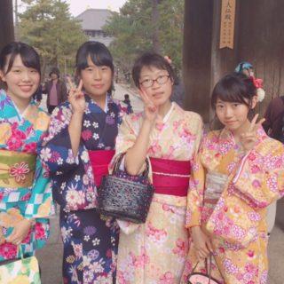 女の子4人組