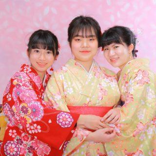 日本人姉妹と韓国からの留学生
